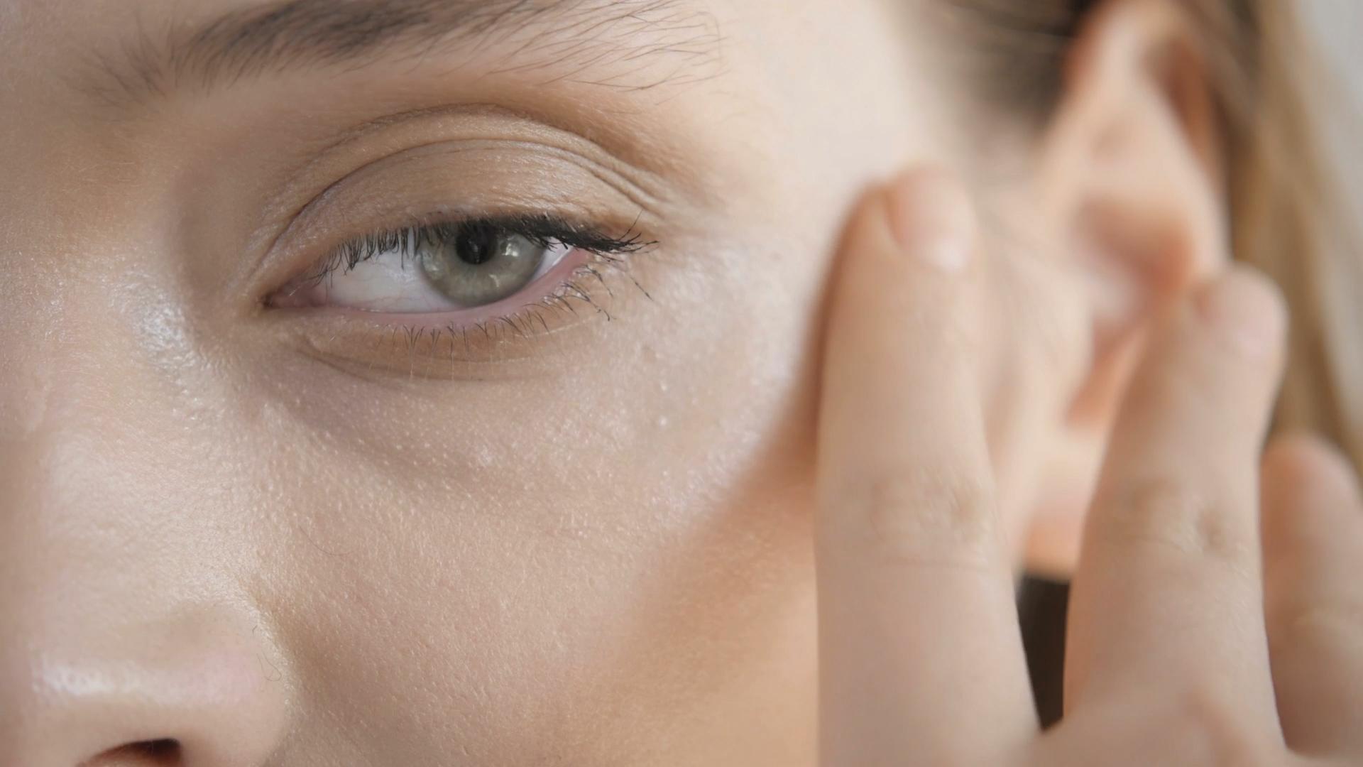 Idealny makijaż w czasie upałów – zobacz 5 sprawdzonych sposobów
