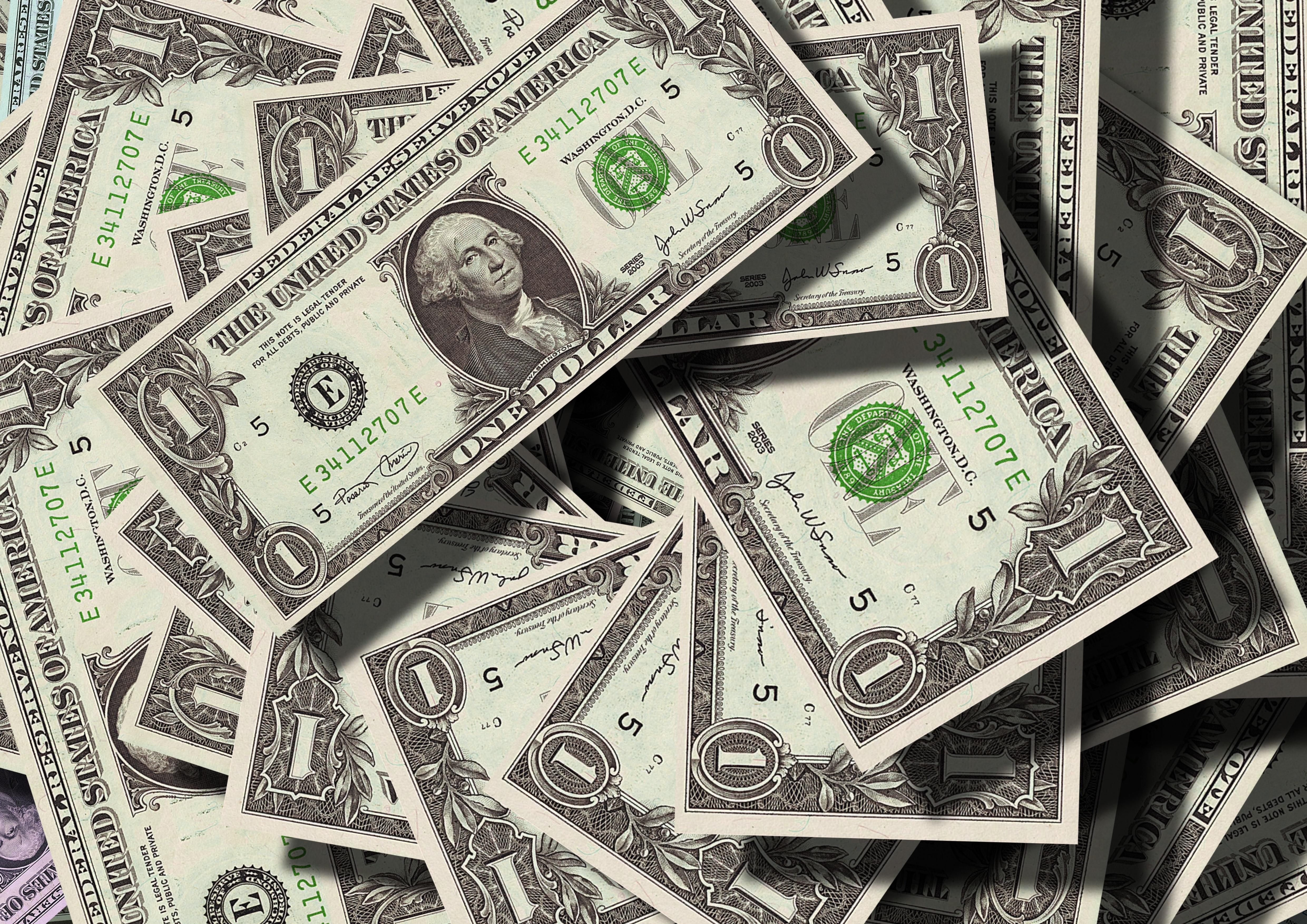 4 dolary – tyle są warte informacje o tobie i twoich długach