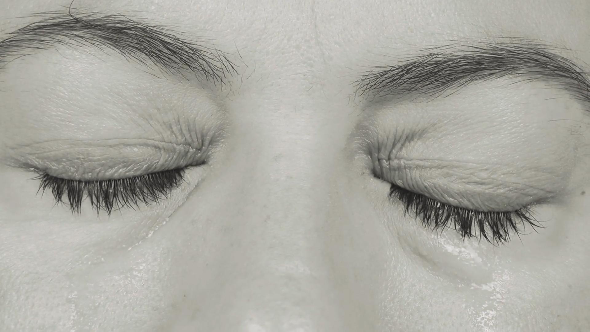 Czerniak to nie tylko rak skóry. 59-latka miała czerniaka oka