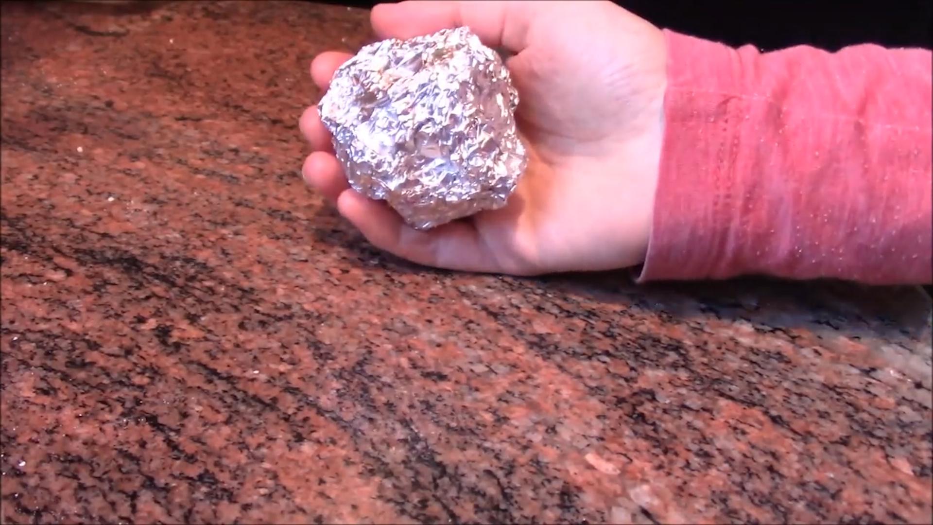 Kulki z folii aluminiowej do prania