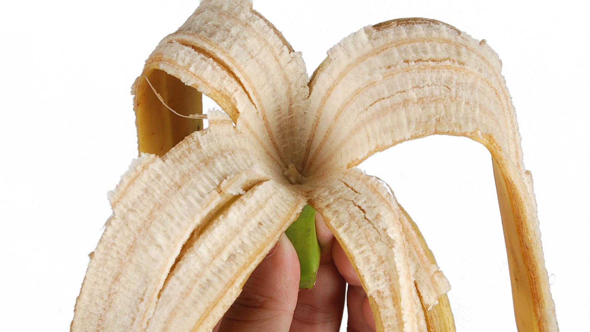 Wykorzystaj skórki z bananów w pielęgnacji kwiatów